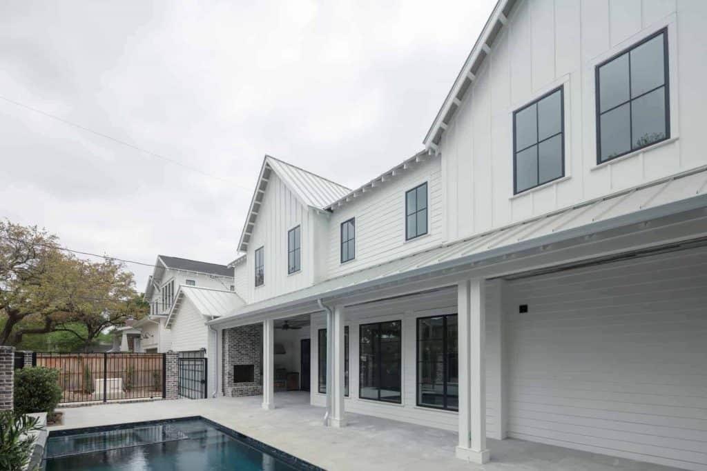farmhouse-back-porch