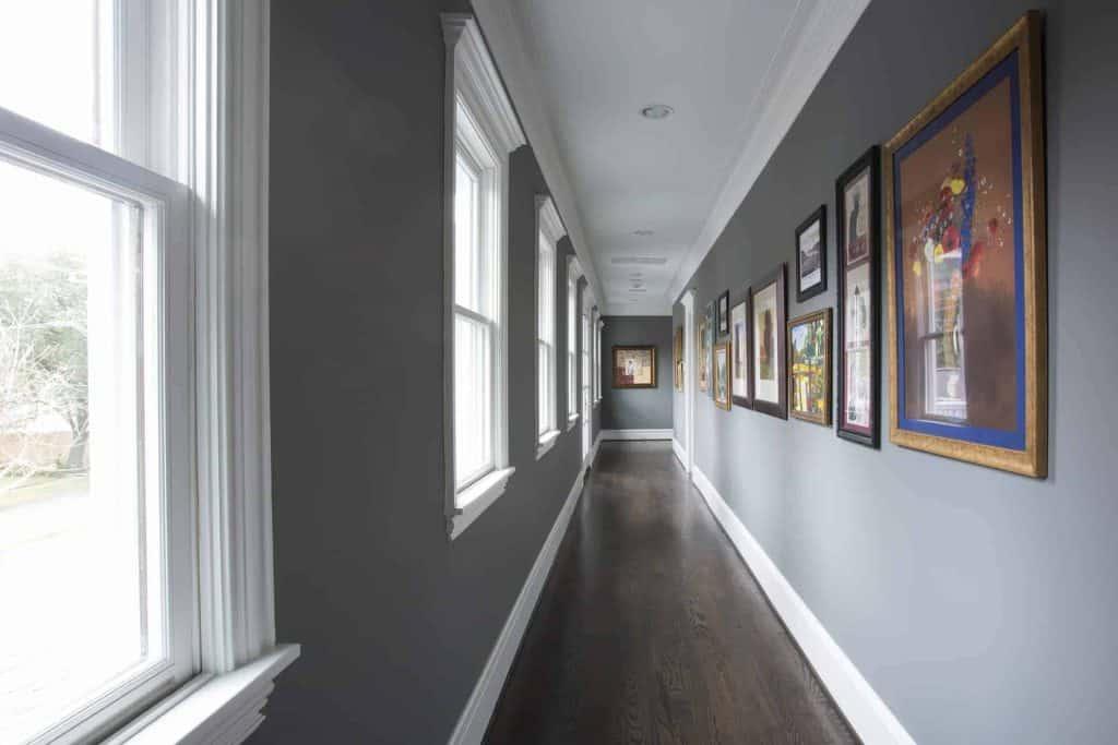 traditional-art-gallery-hallway